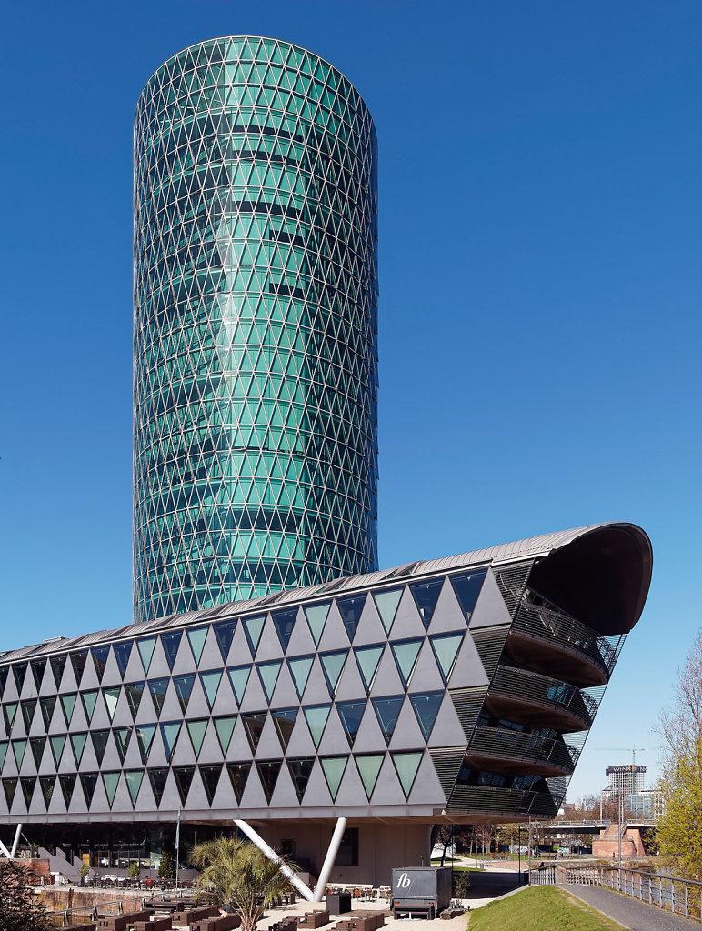 Westhafen Tower Frankfurt am Main / Arch. Schneider & Schuhmache
