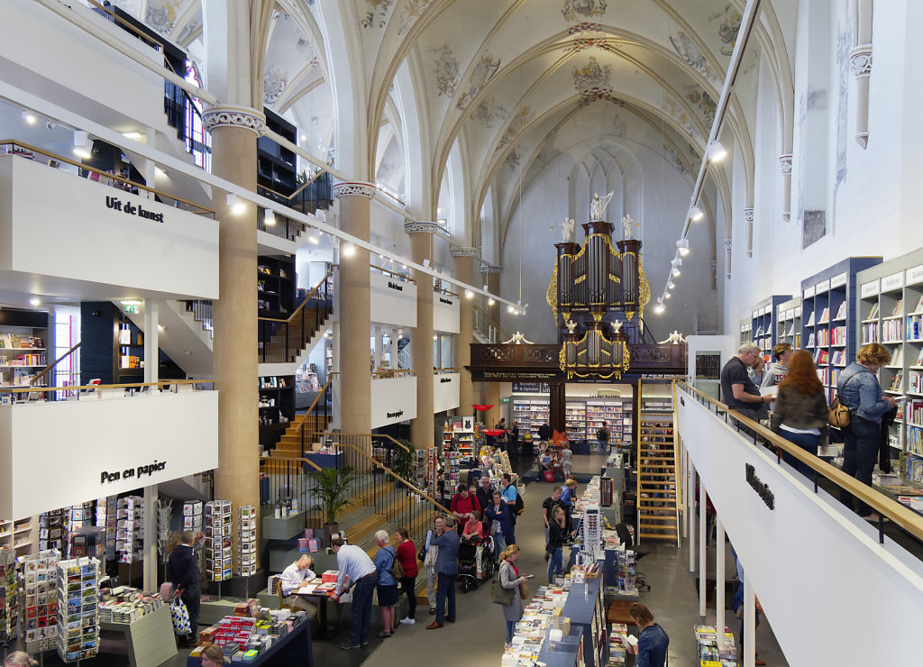 Zwolle-Buchhandlung-02.jpg